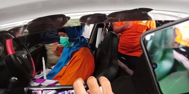 https: img.okeinfo.net content 2019 09 05 337 2101238 dua-pembunuh-bayaran-yang-disewa-aulia-kesuma-untuk-habisi-suaminya-ditangkap-00Re7U8vjz.jpg