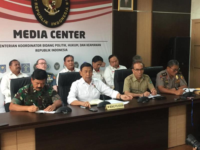 https: img.okeinfo.net content 2019 09 09 337 2102567 asrama-mahasiswa-papua-di-surabaya-diteror-ular-wiranto-usaha-memprovokasi-uwbzaelEi3.jpg