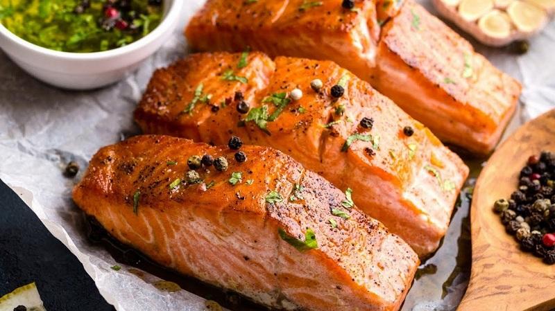 https: img.okeinfo.net content 2019 09 10 298 2103022 jangan-sampai-salah-ini-6-tips-masak-ikan-salmon-EG6tSUvrBp.jpg