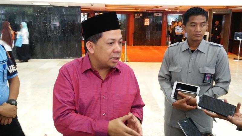 https: img.okeinfo.net content 2019 09 10 337 2103105 fahri-hamzah-dukung-jokowi-dirikan-istana-kepresidenan-di-papua-BQheIsEbiP.jpg