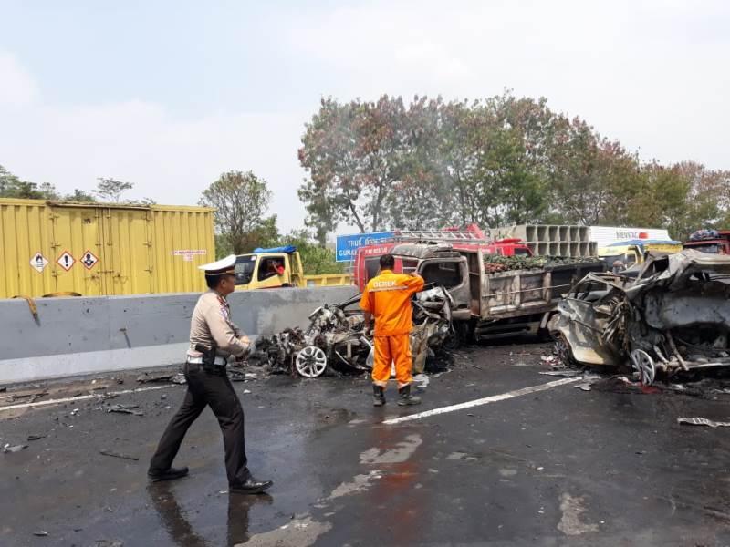 https: img.okeinfo.net content 2019 09 10 52 2103132 kecelakaan-cipularang-pakar-safety-driving-kemampuan-pengemudi-deteksi-bahaya-minim-HeO0qXiUjy.jpeg