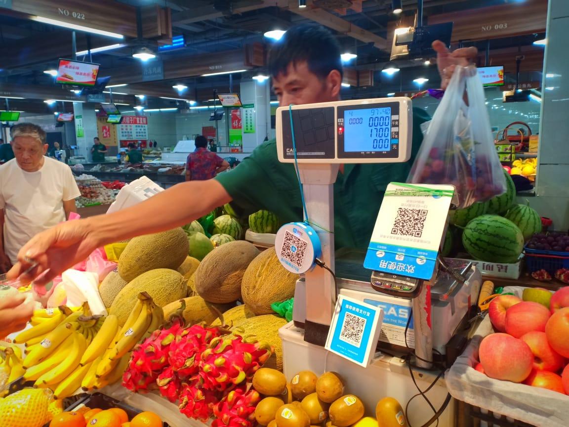 https: img.okeinfo.net content 2019 09 11 320 2103321 canggihnya-pasar-becek-di-hangzhou-ber-ac-dan-bayar-pakai-aplikasi-j7iPLN06v5.jpg
