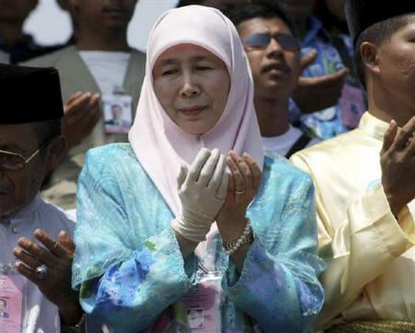 https: img.okeinfo.net content 2019 09 12 18 2103941 wakil-pm-malaysia-hadiri-pemakaman-bj-habibie-di-tmp-kalibata-GA5m8cdrKd.jpg