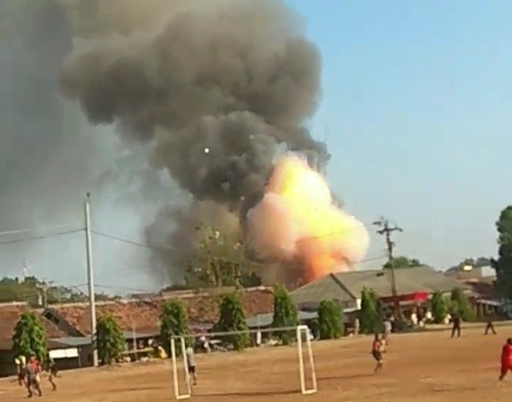 https: img.okeinfo.net content 2019 09 14 337 2104756 gudang-senjata-brimob-polda-jateng-dikabarkan-terbakar-XVBByMBpjT.jpg
