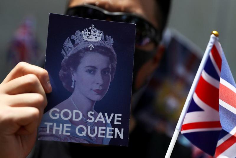 https: img.okeinfo.net content 2019 09 15 18 2105103 unjuk-rasa-di-konsulat-inggris-demonstran-desak-london-pastikan-kebebasan-hong-kong-SSnM7491X8.jpg