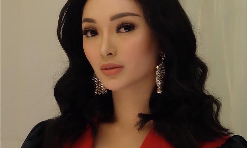 https: img.okeinfo.net content 2019 09 16 194 2105285 cantiknya-zaskia-gotik-dengan-outfit-rancangan-desainer-indonesia-K4JetF9GIh.jpg