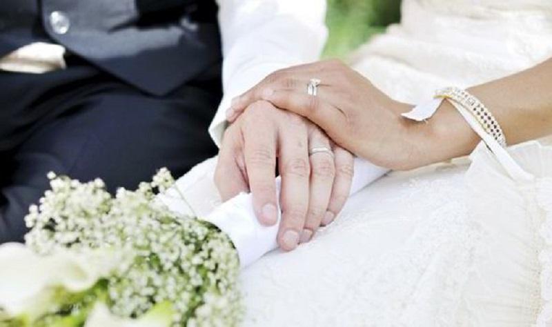 https: img.okeinfo.net content 2019 09 16 337 2105622 dpr-sahkan-uu-perkawinan-batas-usia-kini-jadi-19-tahun-WkYyr18cNG.jpg
