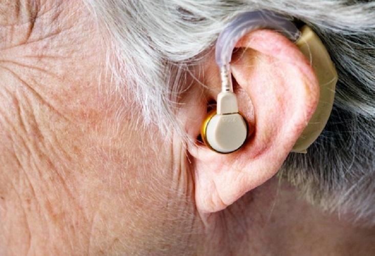 https: img.okeinfo.net content 2019 09 16 481 2105612 penderita-gangguan-pendengaran-berisiko-demensia-nLh9fcW585.jpg