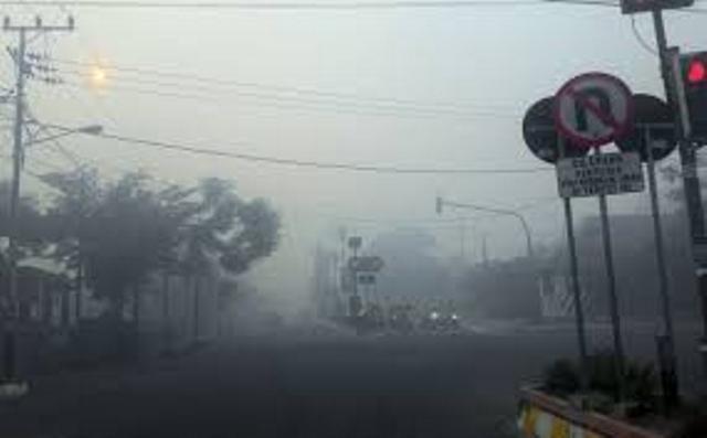 https: img.okeinfo.net content 2019 09 17 340 2105753 penyakit-ispa-akibat-kabut-asap-serang-16-000-warga-kota-jambi-ipV6H7jf3s.jpg