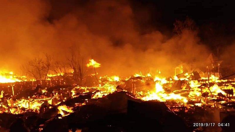 https: img.okeinfo.net content 2019 09 17 340 2105909 100-kios-dan-rumah-warga-di-asmat-papua-ludes-terbakar-BRQMjaQR3D.jpg
