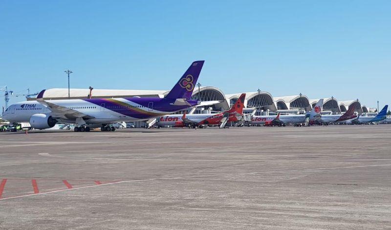 https: img.okeinfo.net content 2019 09 18 609 2106367 penumpang-sakit-jantung-pesawat-thailand-mendarat-di-makassar-aQvDuWk1Eb.jpg
