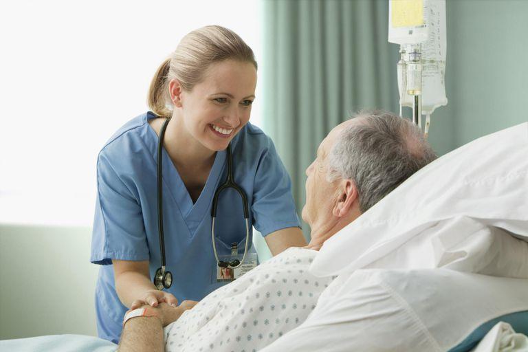 https: img.okeinfo.net content 2019 09 18 612 2106387 viral-suster-ajak-pasien-joget-bareng-netizen-obat-segala-penyakit-itu-bahagia-JViuZMxZAB.jpg