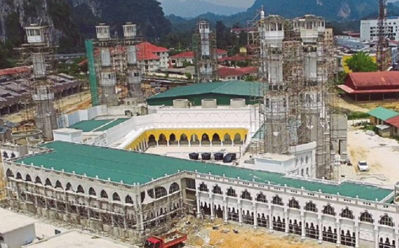 https: img.okeinfo.net content 2019 09 20 615 2107273 mengintip-replika-masjidil-haram-di-kelantan-malaysia-SPjg2K8JrV.jpg