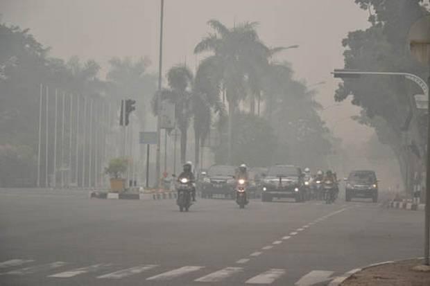 https: img.okeinfo.net content 2019 09 23 337 2108078 kabut-asap-di-palembang-masuk-kategori-berbahaya-sekolah-diliburkan-1TqjJiNUYQ.jpg