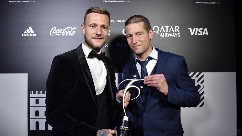 https: img.okeinfo.net content 2019 09 24 51 2108721 alasan-fifa-fair-play-award-2019-jadi-milik-leeds-united-ZwtXq9vXRa.jpg