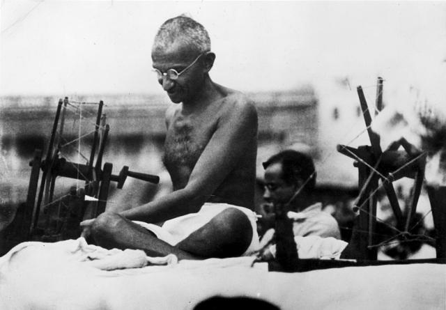 https: img.okeinfo.net content 2019 09 27 18 2110281 pergerakan-garam-mahatma-gandhi-awal-perjuangan-india-merdeka-k1v98a7YFr.jpg