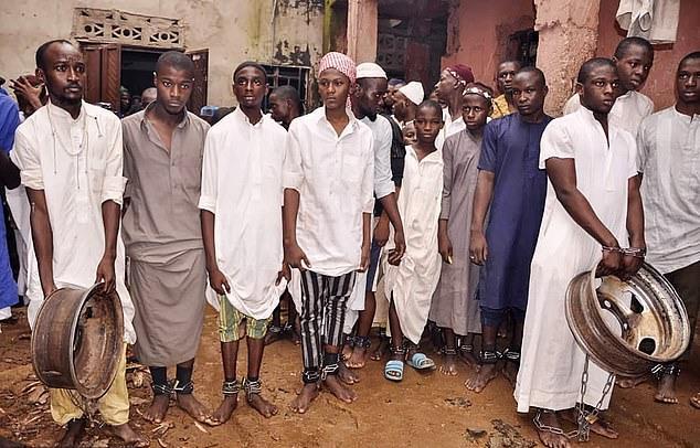 https: img.okeinfo.net content 2019 09 30 18 2111013 hampir-500-orang-diselamatkan-dari-rumah-penyiksaan-berkedok-sekolah-al-quran-di-nigeria-FofmD4zceu.jpg