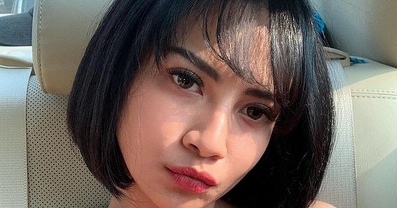 https: img.okeinfo.net content 2019 09 30 33 2110977 pose-seksi-vanessa-angel-di-pantai-netizen-salah-fokus-ke-dada-JR8hfBVJi5.jpg