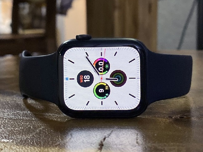 https: img.okeinfo.net content 2019 09 30 57 2111036 pengguna-keluhkan-apple-watch-series-5-boros-baterai-BNSXEEf821.jpg