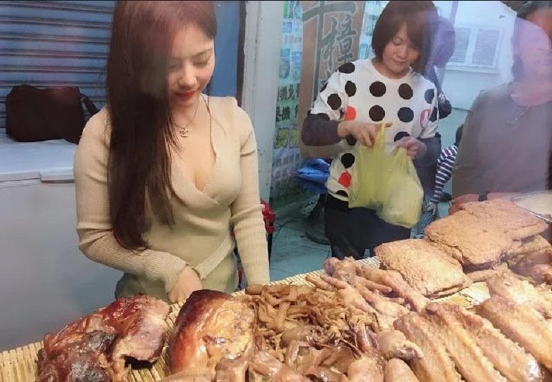 https: img.okeinfo.net content 2019 10 01 612 2111508 gadis-seksi-penjual-daging-di-mangga-besar-viral-di-medsos-ini-faktanya-5vGPJvyMAK.jpg