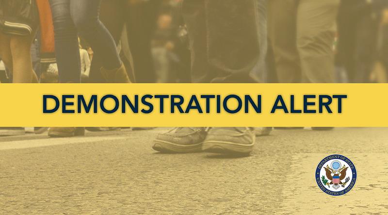 https: img.okeinfo.net content 2019 10 02 18 2111874 demonstrasi-marak-as-peringatkan-warganya-di-indonesia-vmwSRJwfLG.jpg