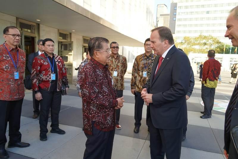 https: img.okeinfo.net content 2019 10 02 18 2111947 siasat-wapres-jk-gencarkan-batik-indonesia-di-sidang-majelis-umum-pbb-ke-74-DkpN1WNeQR.jpeg