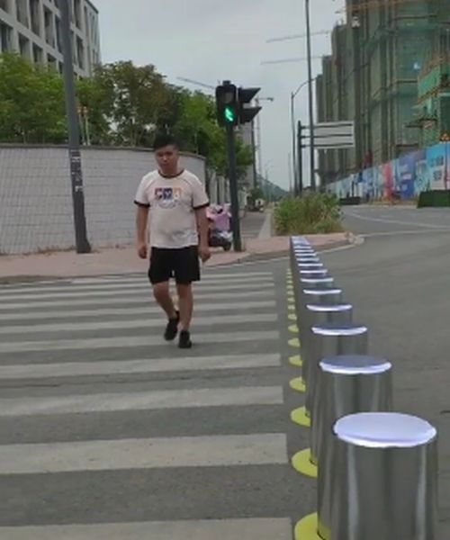 https: img.okeinfo.net content 2019 10 02 52 2112094 zebra-cross-anti-tabrak-pengguna-jalan-bikin-kendaraan-auto-berhenti-BqL70HYOnr.jpg