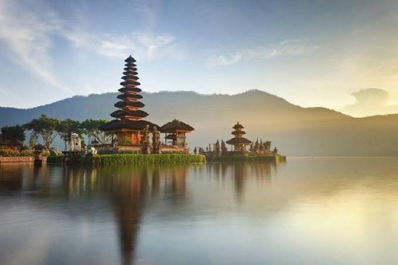 https: img.okeinfo.net content 2019 10 04 406 2113094 daya-saing-pariwisata-indonesia-tembus-rangking-40-dunia-dari-141-negara-WTR34KjB2F.jpg