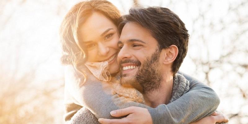 https: img.okeinfo.net content 2019 10 05 196 2113254 tips-harmonis-jalin-cinta-beda-usia-sangat-jauh-bisa-sampai-kakek-nenek-kok-BCC5e25RQG.jpg