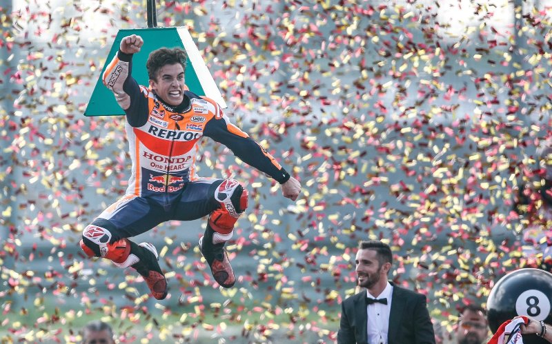 https: img.okeinfo.net content 2019 10 06 38 2113550 marquez-gelar-juara-motogp-2019-lebih-indah-ketimbang-2014-VXAcnLbPf4.jpg