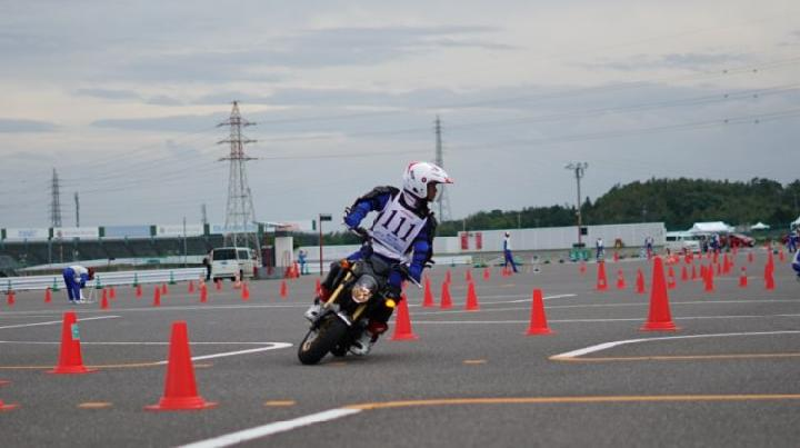 https: img.okeinfo.net content 2019 10 06 53 2113486 instruktur-safety-riding-ahm-kembali-bertaji-di-jepang-7QLWujK28J.jpg