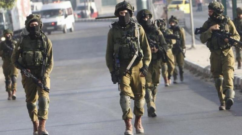 https: img.okeinfo.net content 2019 10 07 18 2113836 pasukan-israel-diolok-olok-setelah-video-tentaranya-berlindung-dari-lemparan-batu-jadi-viral-RXpi1PsMhU.jpg
