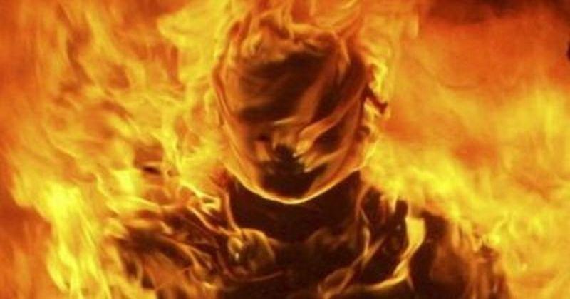 https: img.okeinfo.net content 2019 10 07 510 2114073 kena-kembang-api-kostum-pagelaran-wayang-jogja-night-carnival-terbakar-j4aJg5TRAP.jpg