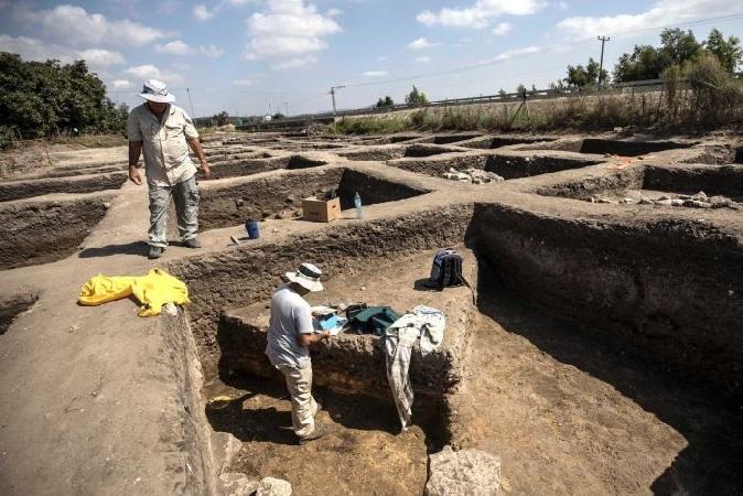 https: img.okeinfo.net content 2019 10 07 56 2113784 arkeolog-temukan-sisa-sisa-kota-kuno-berusia-5-000-tahun-re5mA93snt.jpg