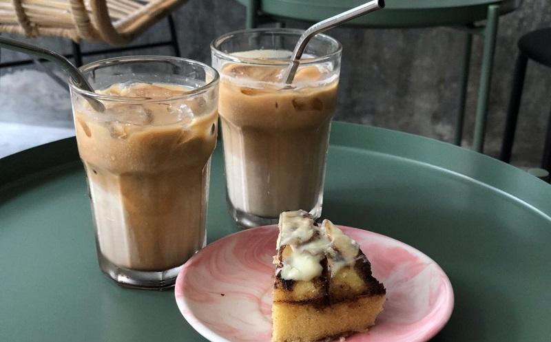 https: img.okeinfo.net content 2019 10 08 298 2114390 es-kopi-susu-fenomena-yang-lahir-ketika-peminum-kopi-serius-sudah-mulai-jenuh-re7xPEPRQQ.jpg
