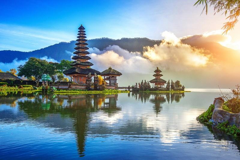 https: img.okeinfo.net content 2019 10 08 406 2114293 kemenpar-gandeng-asensi-promosikan-wonderful-indonesia-agar-lebih-mendunia-X6s8NpHAmZ.jpg