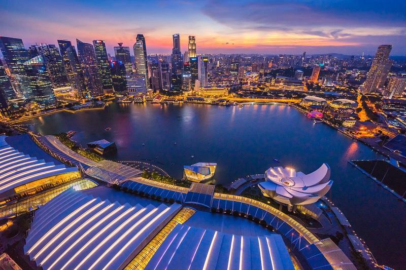 https: img.okeinfo.net content 2019 10 09 320 2114718 sederet-kelebihan-singapura-negara-paling-kompetitif-di-dunia-BBFDw3tLMl.jpg