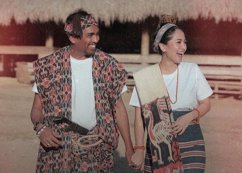 https: img.okeinfo.net content 2019 10 09 33 2114890 konfirmasi-kehamilan-istri-glenn-fredly-love-you-both-saSwYoMUqV.jpg