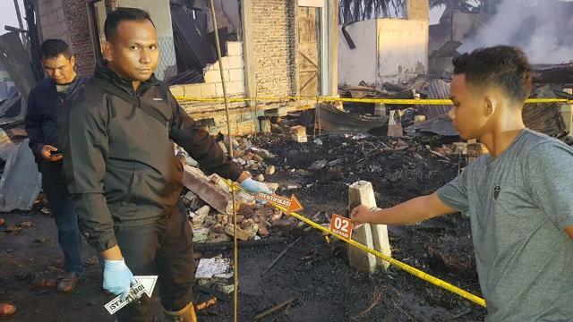 https: img.okeinfo.net content 2019 10 09 340 2114774 13-rumah-terbakar-ibu-anak-ditemukan-tewas-terpanggang-ybcCLTKwPV.jpg