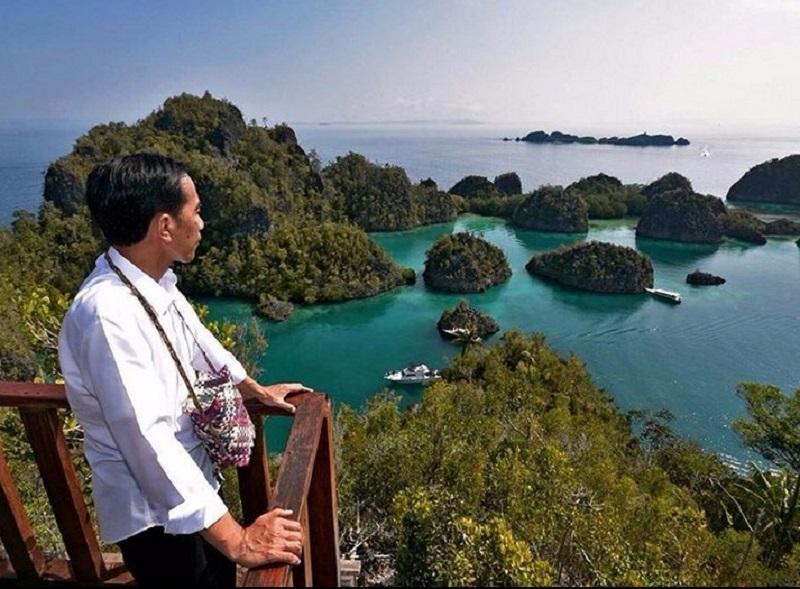 https: img.okeinfo.net content 2019 10 09 406 2114910 pakar-pariwisata-potensi-wisata-indonesia-hanya-sekadar-political-words-6YtbYvUM6k.jpg