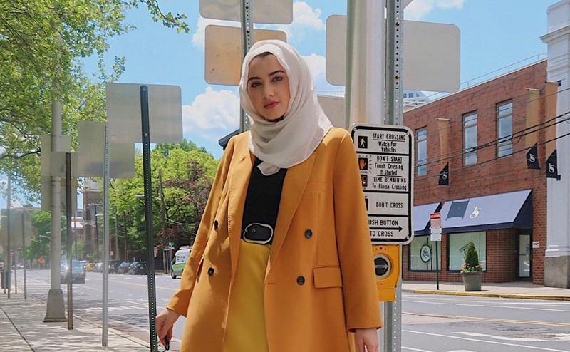 https: img.okeinfo.net content 2019 10 09 617 2114931 5-ide-tampil-cantik-dan-kalem-dengan-warna-mustard-untuk-hijabers-4ii6RWagae.jpg