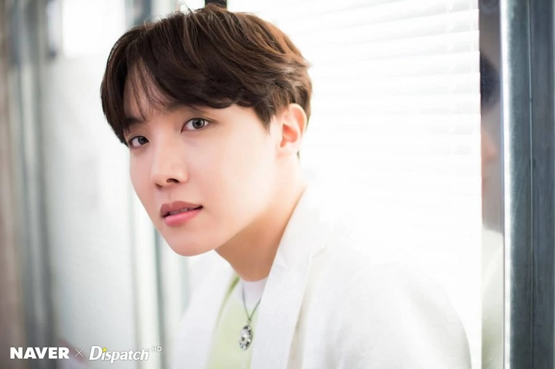 https: img.okeinfo.net content 2019 10 10 205 2115352 j-hope-bts-tembus-billboard-hot-100-lewat-chicken-noodle-soup-oSZQA0ApFV.jpg