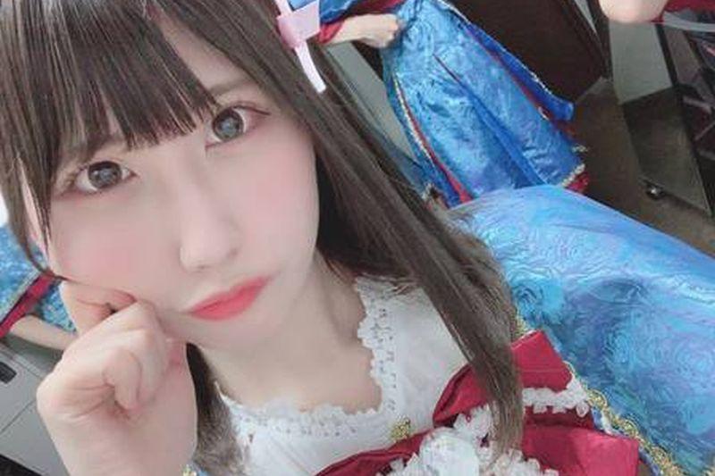 https: img.okeinfo.net content 2019 10 10 612 2115413 gara-gara-foto-selfie-nya-idol-jepang-ini-dicabuli-penggemar-SiFnFiwD6i.jpg
