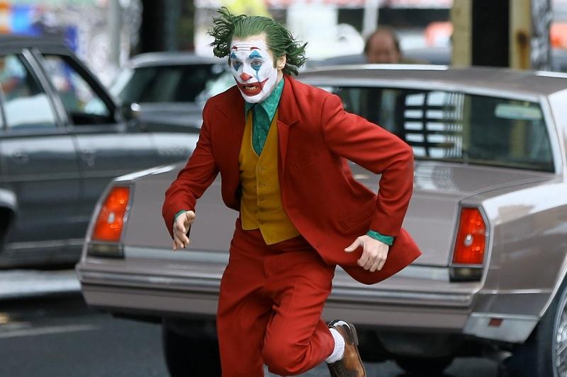 https: img.okeinfo.net content 2019 10 14 206 2116627 tak-terkalahkan-joker-masih-puncaki-box-office-amerika-utara-vEtkGuDxT8.jpg