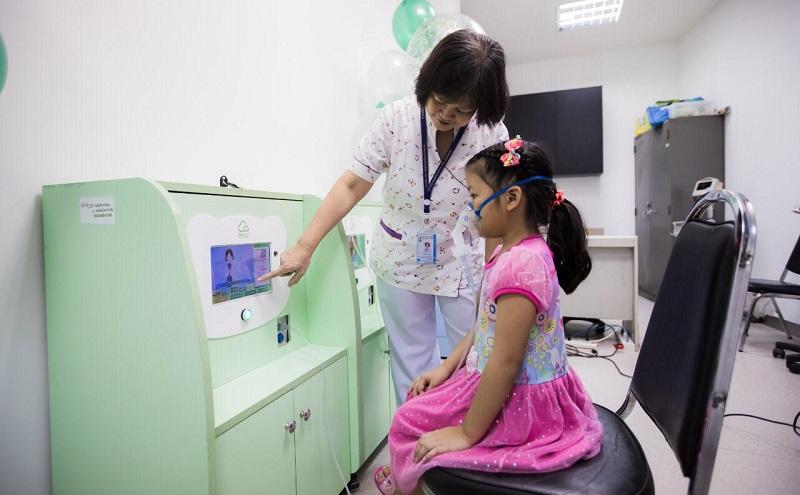 https: img.okeinfo.net content 2019 10 14 481 2116676 4-5-masyarakat-indonesia-alami-asma-kenali-penyebab-dan-cara-menangkalnya-ZEUIIJnIeH.jpg