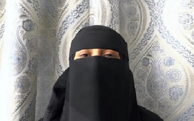 https: img.okeinfo.net content 2019 10 14 614 2116611 saat-crosshijaber-berani-masuk-saf-perempuan-di-masjid-masjid-w1ZF7fk3g5.jpg
