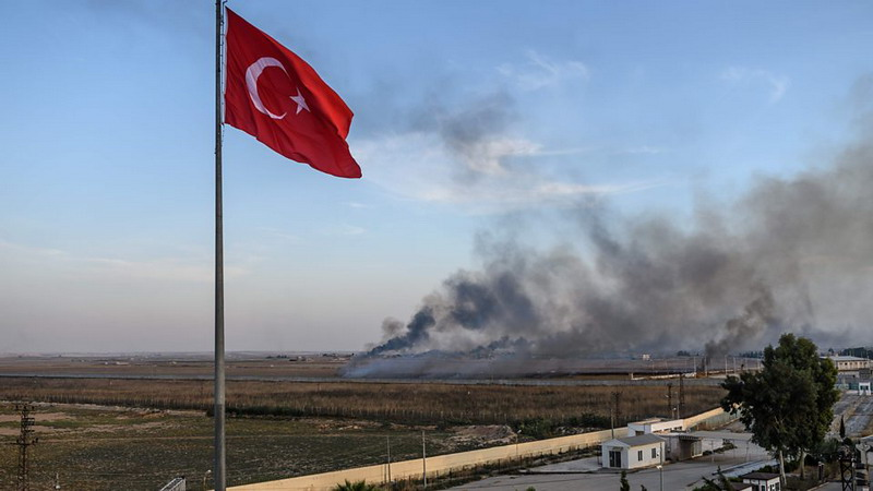 https: img.okeinfo.net content 2019 10 15 18 2116987 as-jatuhkan-sanksi-pada-turki-terkait-serangan-ke-suriah-R6tShO8FSm.jpg