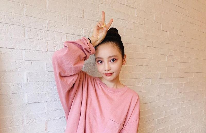 https: img.okeinfo.net content 2019 10 17 33 2118271 tiba-di-korea-goo-hara-hadiri-pemakaman-sulli-eks-f-x-08wcP3cLST.jpg