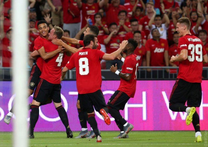 https: img.okeinfo.net content 2019 10 18 45 2118440 man-united-akan-juara-liga-inggris-sebelum-liverpool-2kfMGAD2H4.jpg