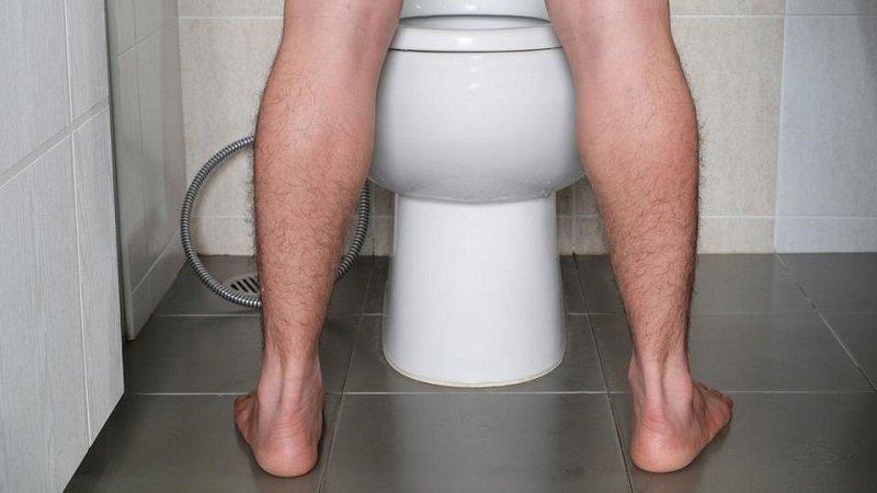 https: img.okeinfo.net content 2019 10 18 481 2118423 waspada-urine-berbusa-bisa-jadi-alami-gangguan-ginjal-kronis-rqG7KBpOkz.jpg